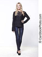 nero, maglione, donna, jeans, giovane