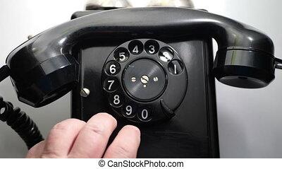 nerveux, téléphone rotatif, doigts, tapotement