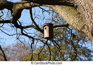 nest box / birdhouse