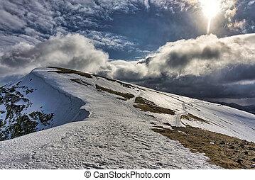 nethermost, パイク, 山, district., 湖, 英語