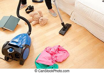 nettoyer aspirateur, salle séjour, femme