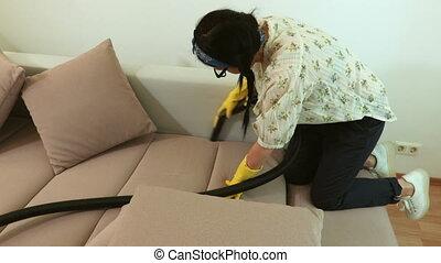 nettoyeur, femme, sofa, jaune, closeup, nettoyage, vide