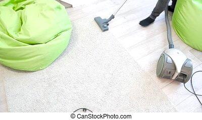 nettoyeur, nettoyage, vide, maison, moquette, homme