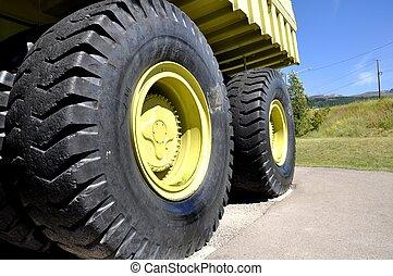 neumáticos, gigante, camión