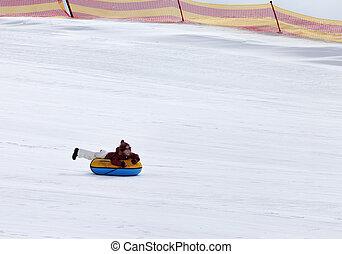neve, tubulação, em, refúgio esqui