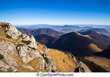 nevelig, bergen, landschap, herfst, slowakije, aanzicht