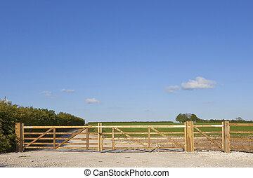new farm gate