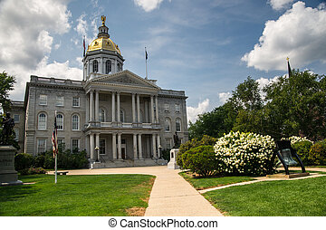New Hampshire State House - The oldest captitol building ...