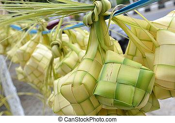 ketupat - new leaf woven ketupat