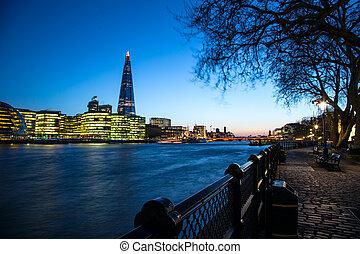 London city hall at sunset