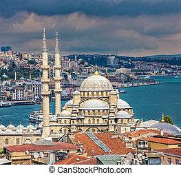 New Mosque Overlooks Bosphorus Strait - The New Mosque in...