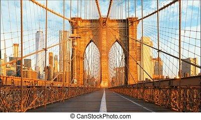 New York, Brooklyn bridge, Manhattan, USA - Time lapse