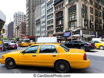 New York city Manhattan Fifth Avenue 5th Av US - New York...