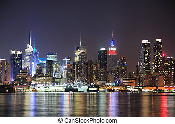 New York City Manhattan midtown skyline at night