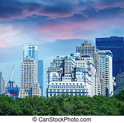 New York City. Manhattan skyline with beautiful sky at dusk