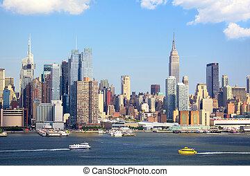 New York City - Manhattan Skyline with Empire State Building...