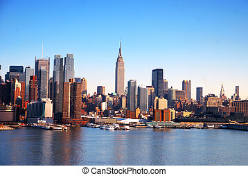 NEW YORK CITY SKYLINE - New York City Skyline over Hudson...