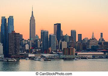 New York City sunset - New York City midtown Manhattan...