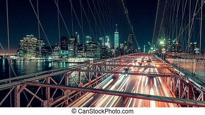 New York City , USA, Timelapse - Brooklyn Bridge at Night