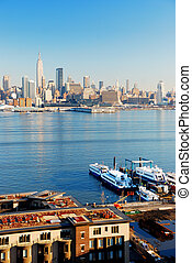 NEW YORK CITY VIEWED FROM NEW JERSEY - New York City skyline...
