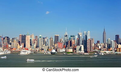 New York skyline - Manhattan skyline over Hudson River, New...