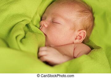 newborn婴儿, 睡觉, 在上, a, 绿色, 毛毯