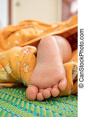 newborn niemowlę, do góry szczelnie, feet.
