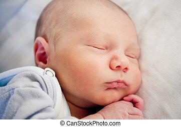 newborn niemowlę, spanie