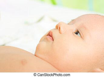 newborn niemowlę, szczelnie-do góry