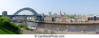 Newcastle Panorama - Panoramic view of the City of...