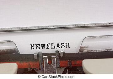newflash, ord, maskinskrivit, på, a, årgång, typewriter.