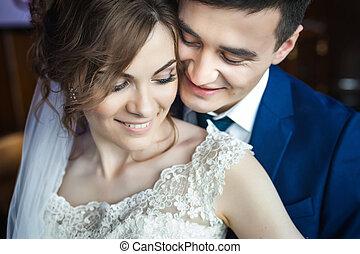 newlywed, összekapcsol dédelget
