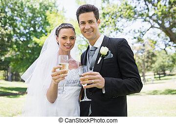 newlywed, párosít, pirítós, pezsgő