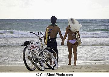 newlywed, párosít, tengerpart