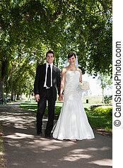 newlywed, young párosít, hatalom kezezés