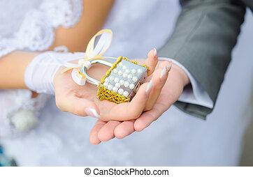 newlyweds., fechadura, mãos