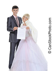 newlyweds kept a contract