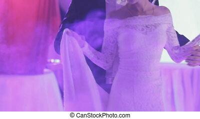 newlyweds, taniec, ich, pierwszy, ślub, taniec, w, niejaki, dym