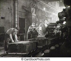 newsreel., factory., werkmannen , ussr
