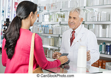 nfc, szampon, patrząc, samica, zrobienie, farmaceuta, wpłata