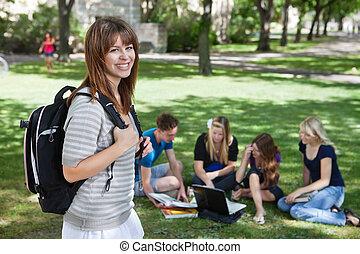 niña, campus de la universidad, joven