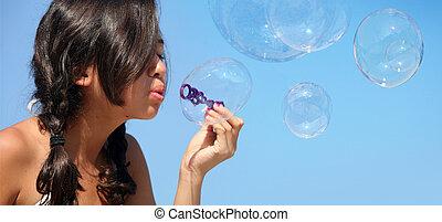 niña, con, burbujas