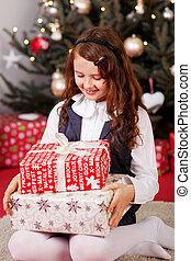 niña, el mirar, ella, regalos de navidad