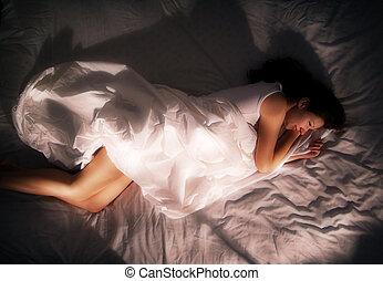 niña, en cama