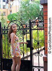 niña, en, vestido del verano, -, bienvenida, a, mi casa