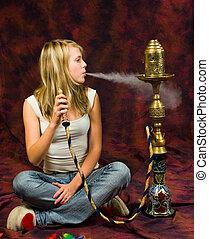 niña, fumar, waterpipe