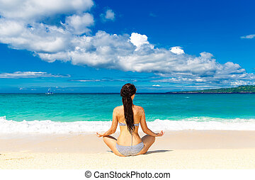 niña joven, en, un, tropical, playa., vacaciones del verano, concept.