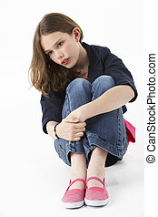 niña joven, sentado, en, estudio
