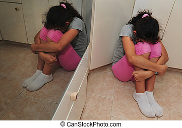niña joven, sufre, de, violencia doméstica