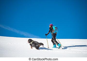 niña, marcas, esquí, montañismo, con, el suyo, perro